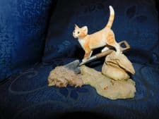 COLLECTABLE SHERRATT SIMPSON ADORABLE FIGURINE CAT WITH SPADE & SACK 'DIGGER'